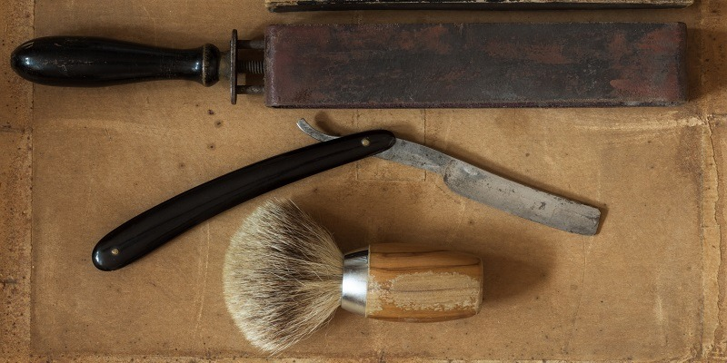 How To Sharpen a Straight Razor:  Get The Perfect Edge