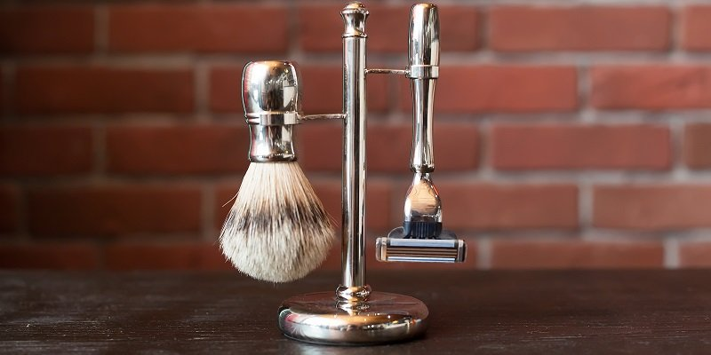 What to Look for in a Safety Razor Stand: More Than You Think