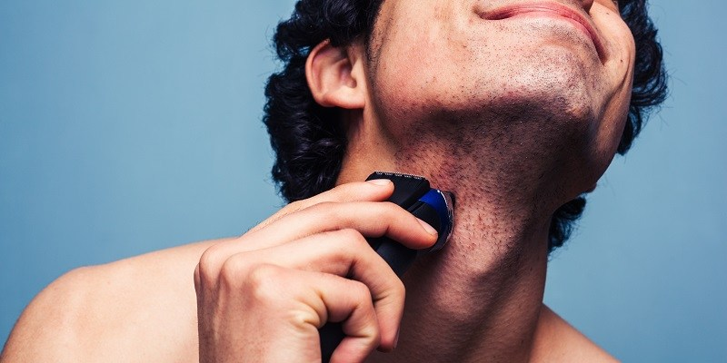 How to Clean an Electric Razor: Cleaning Tips For the Electric Guy
